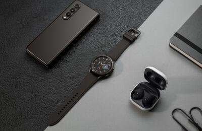 Suomalaiset ovat valmiita taittuvanäyttöisten älypuhelinten aikakauteen – Samsungin lippulaivapuhelinten myynti alkaa tänään